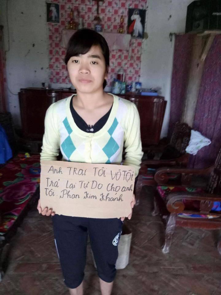 Phan Kim Khanh sister sign