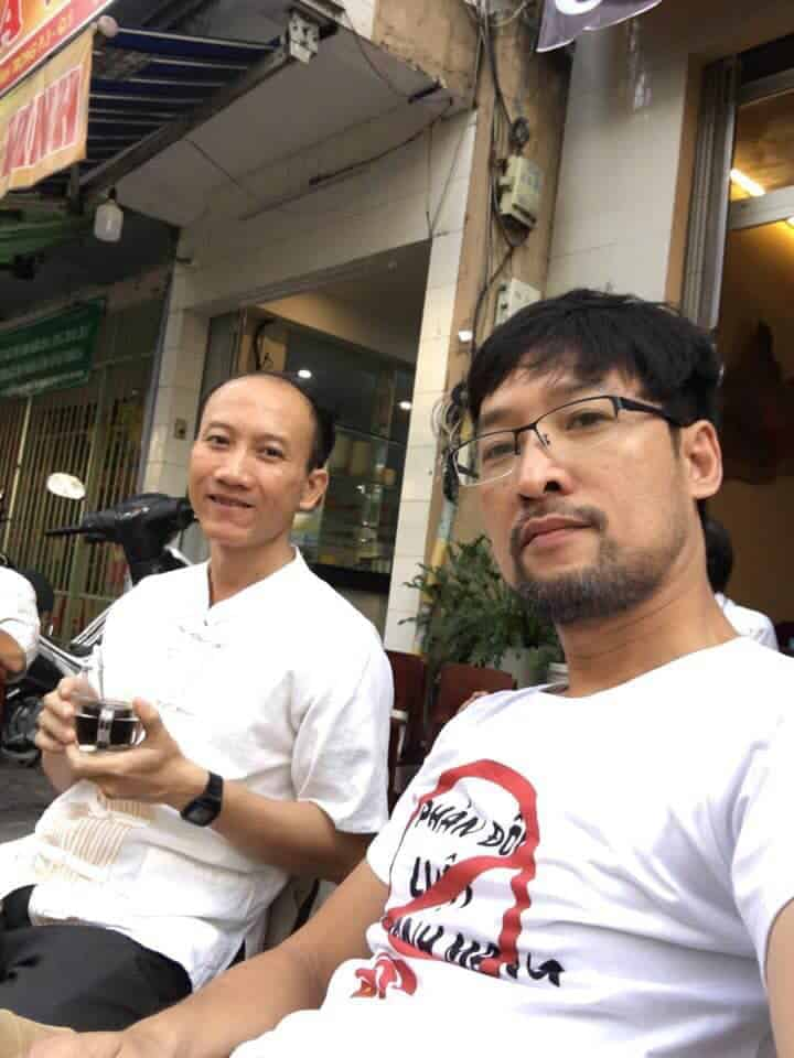 pham ngoc minh and his t-shirt protesting against the cybersecurity law source facebook hoàng dũng (1)